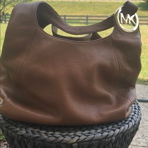 Gorgeous MK Bag with matching wallet